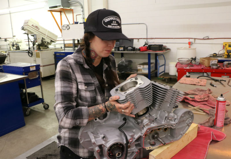 Rebuilding the engine at S&S - installing the new pistons and cylinders